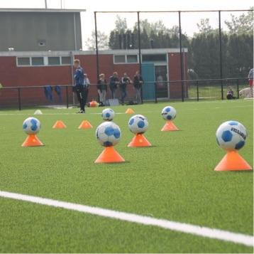 Clinics van Voetbalschool Eemsmond